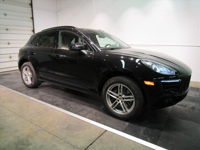 Certified Pre-Owned 2017 Porsche Macan Base AWD